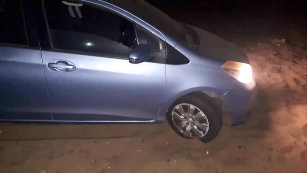 הרכב שלנו תקוע בחול